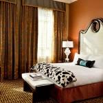 hotel_monaco_denver_guestroom