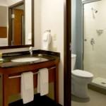 hyatt_place_dallas_bathroom