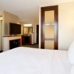 hyatt_place_dallas_bedroom