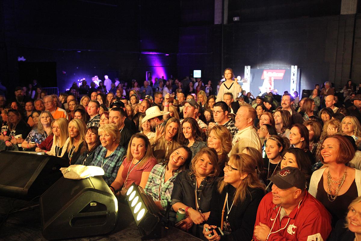 Blake Shelton Doing It To Country Songs Tour