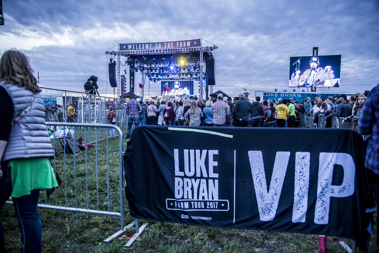 Luke bryan farm tour official vip packages cid entertainment vip experience previous m4hsunfo